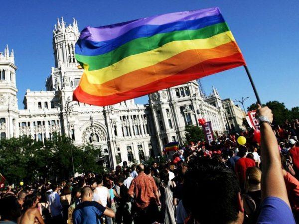 escinsel-evlilikler-ispanya