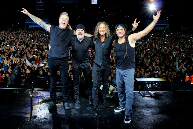metallica-performance-bogota-dec-2016-billboard-1548