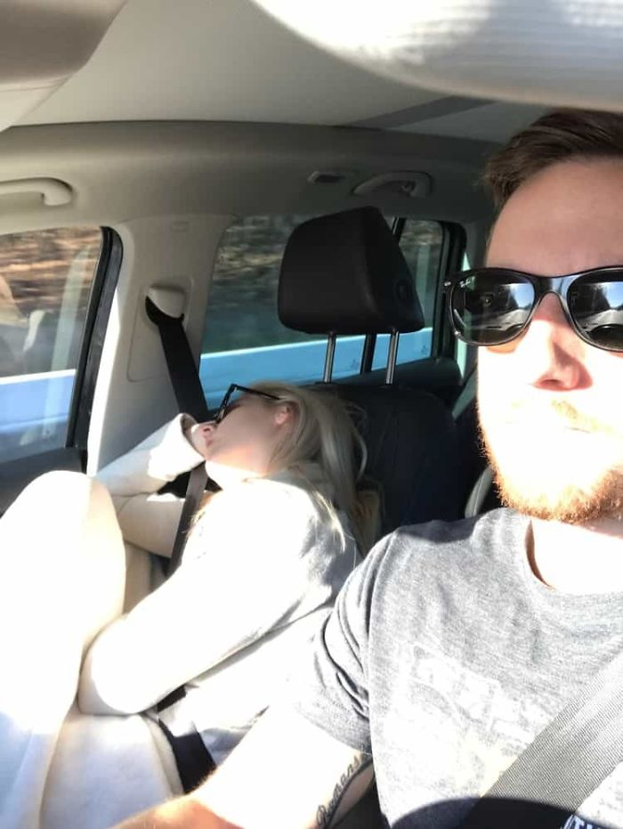 road-trip-sleeping-wife-pictures-husband-mrmagoo21-12-5a434c94bd21d-jpeg__700