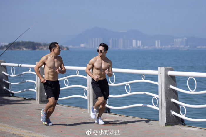 chinese-family-before-and-after-6-month-weight-loss-results-15-5a4b3e49a5eb6__700
