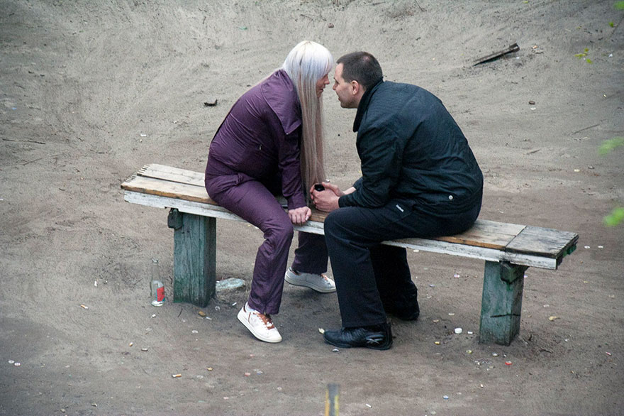 life-on-park-bench-photo-series-kiev-ukraine-yevhen-kotenko-11-5a6add2de3502__880