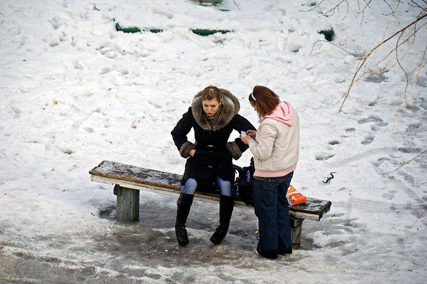 life-on-park-bench-photo-series-kiev-ukraine-yevhen-kotenko-17-5a6add9a7c163__880