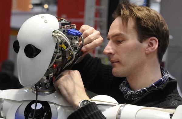 robot teknisyeni