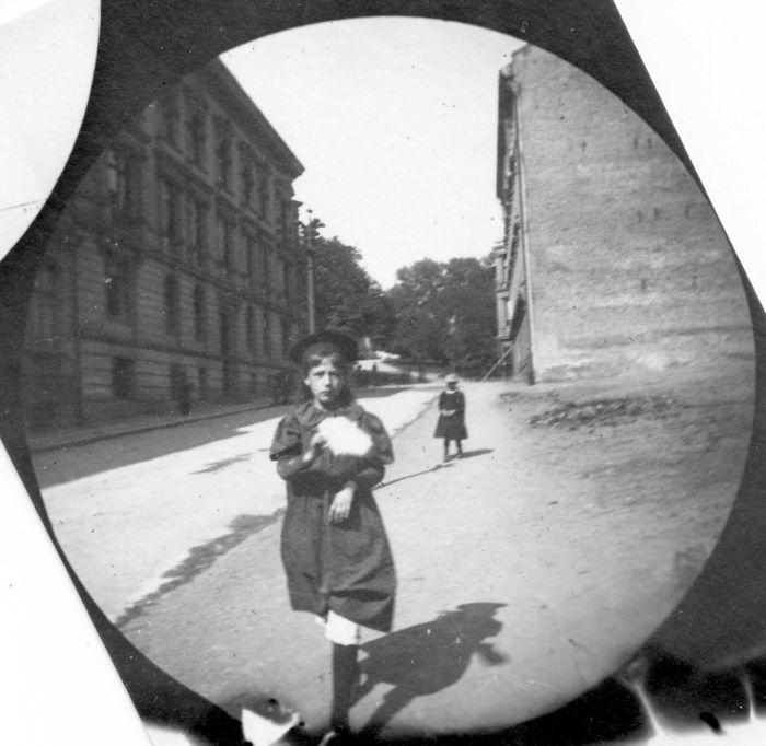 spy-camera-secret-street-photography-carl-stormer-norway-11-5a44a66bab836__700
