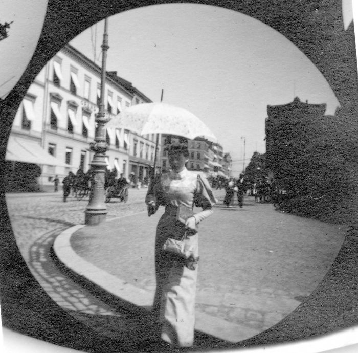 spy-camera-secret-street-photography-carl-stormer-norway-64-5a44a7095729f__700
