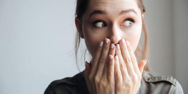 Kötü ağız kokusuna sebep olan yiyeceklerden uzak durun! ile ilgili görsel sonucu