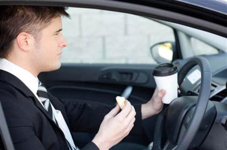Uykusuz araba kullanma kafein