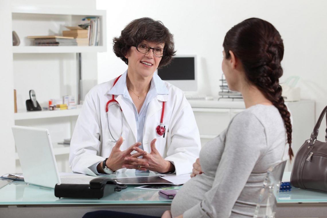 Секс гинеколог фото, Гинеколог поимел пациентку на смотровом кресле 14 фотография