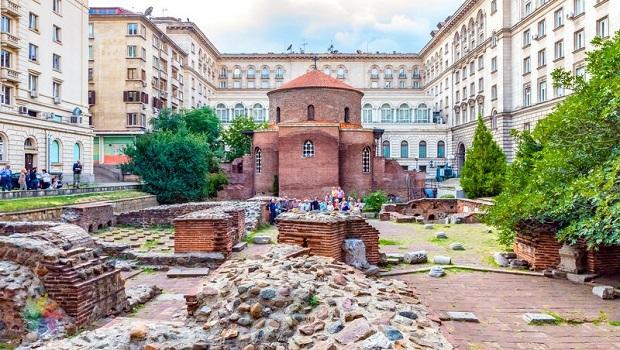 Köklü ve Eski Şehir Sofya'nın Gezilmesi Gereken 10 İhtişamlı Yeri