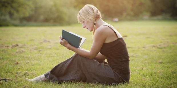 kitap okumak resim ile ilgili görsel sonucu