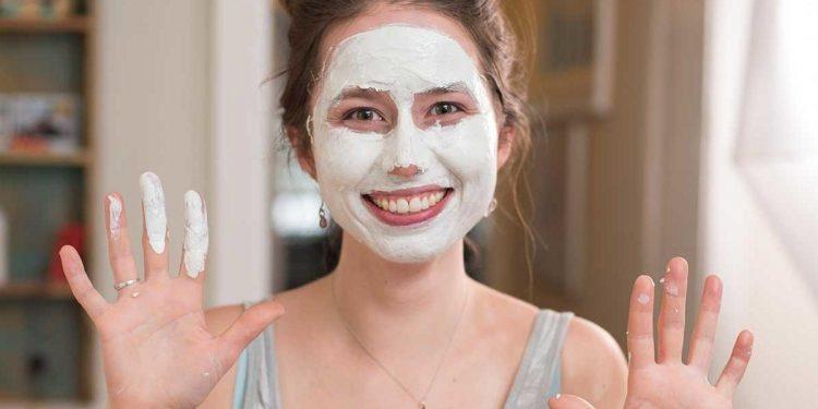 Vaktim Değerli Diyenlere: Evde Yalnızca 2 Malzemeyle Hazırlayabileceğiniz Yüz Maskeleri
