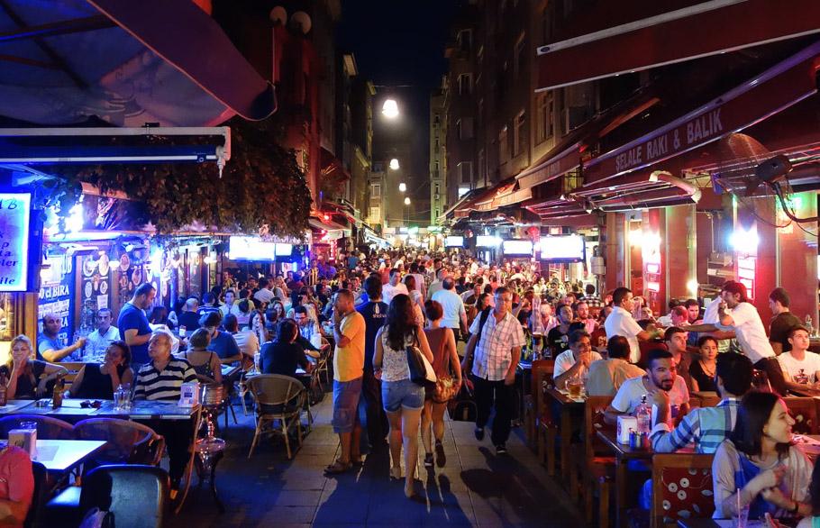 turistleri uyaran fransız dergisi