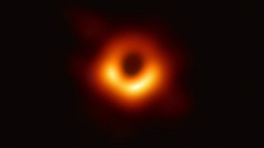 Görüntülenen ilk kara delik