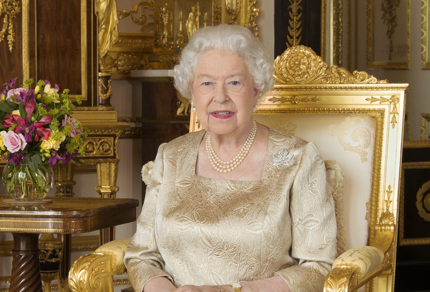 Kraliçe Elizabeth'in yıllık kazancı