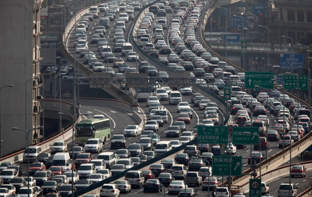 Dünyanın en kalabalık ülkesi Şanghay rekor trafik