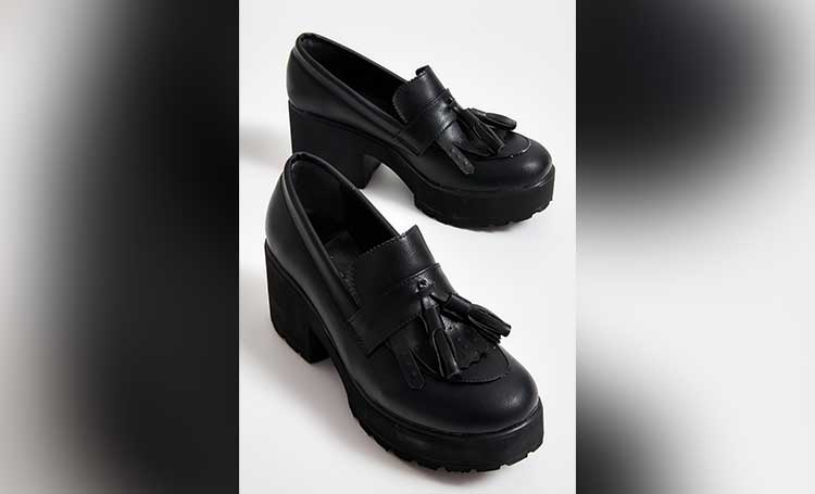 topuklu siyah ayakkabı sonbahar