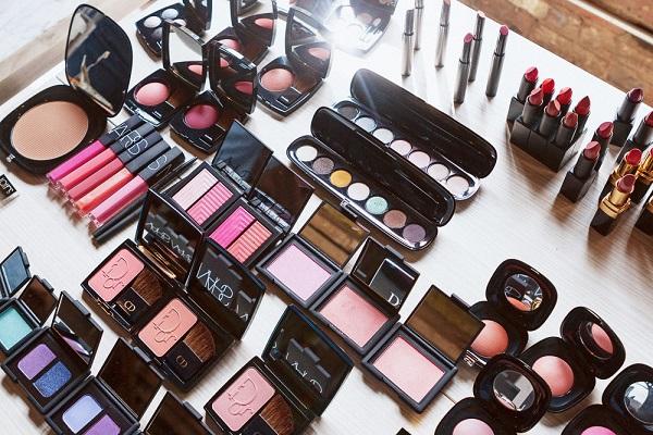 kozmetik ürünü