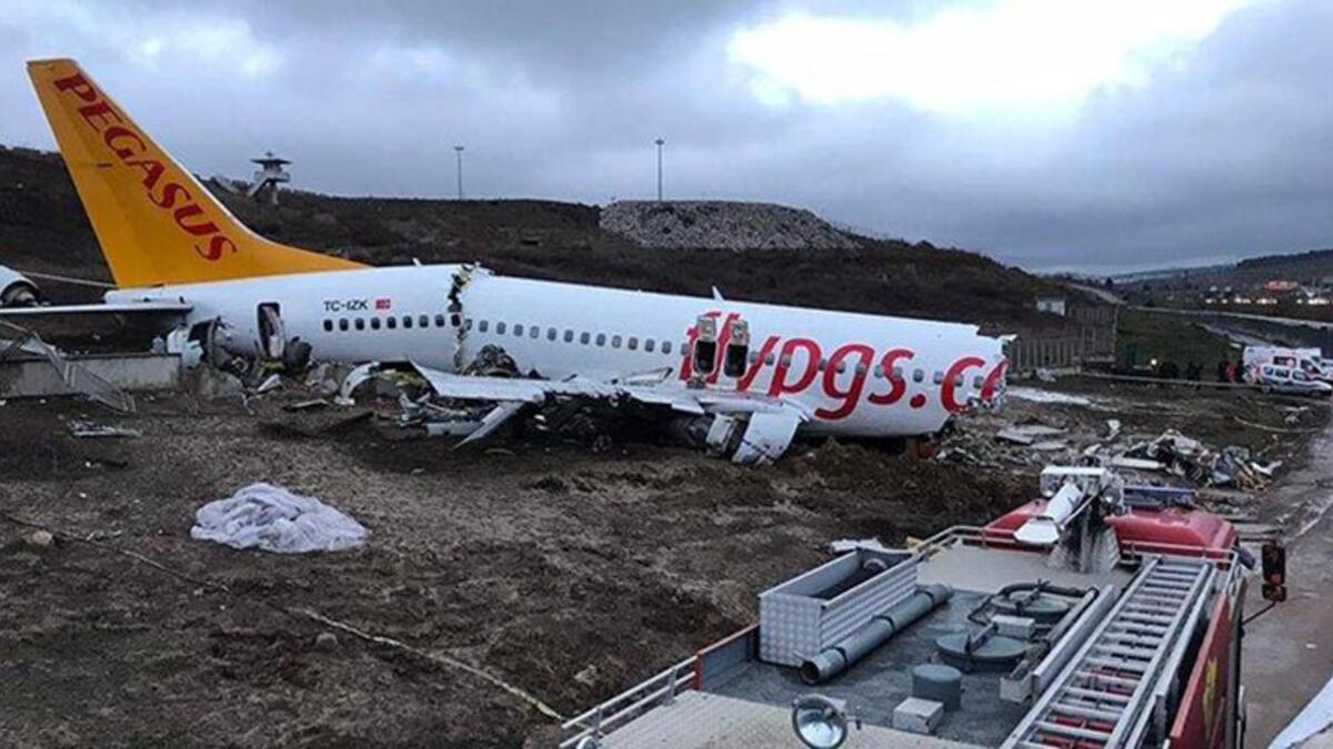 Sabiha Gökçen Havalimanı'nda düşen uçak