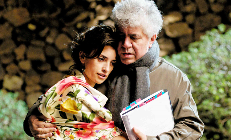 Madres Paralelas Pedro Almodóvar 2021 filmleri listelist