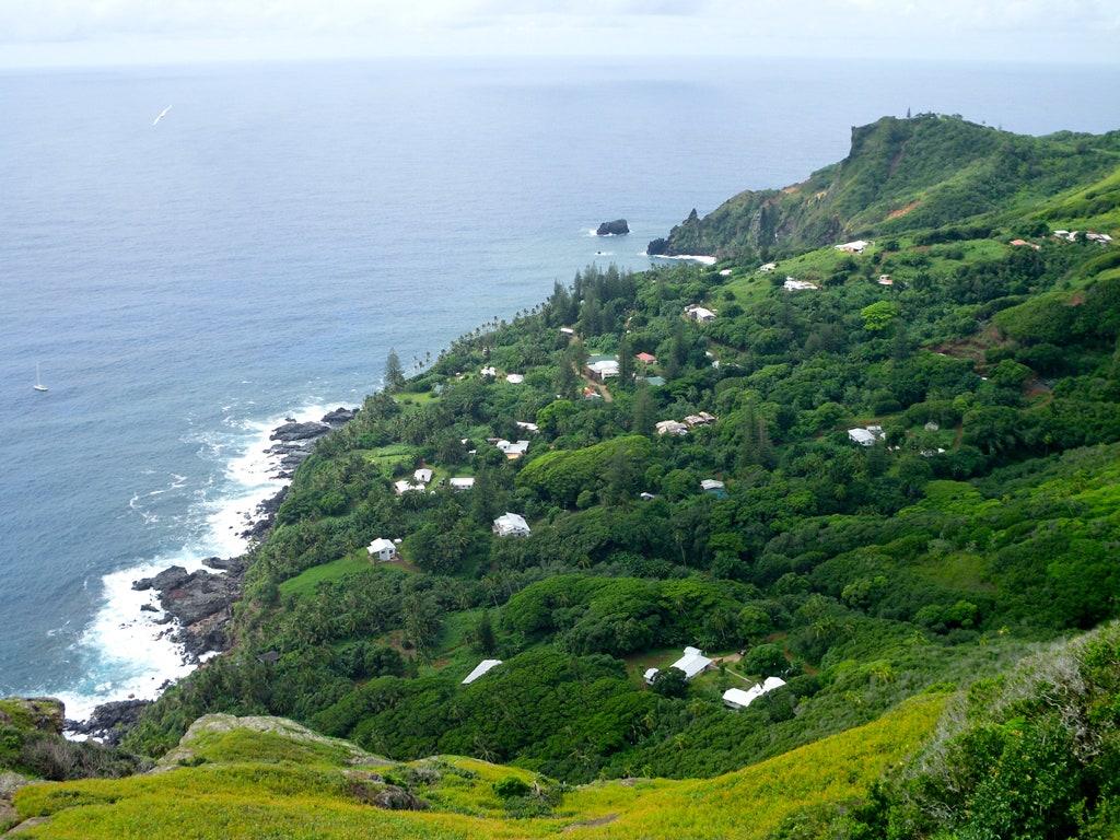 Pitcairn Adası, Britanya Denizaşırı Toprakları