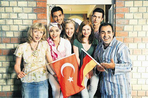 Türkisch für Anfänger alman dizileri listelist