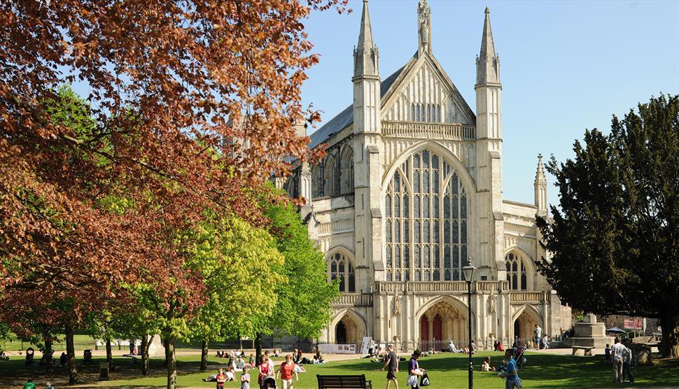 Winchester Katedrali dünyanın en güzel katedralleri listelist
