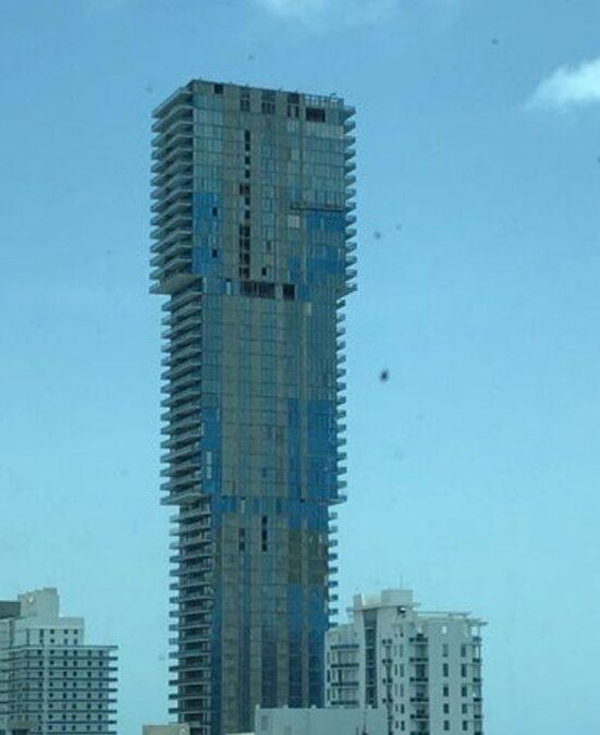 saçma binalar