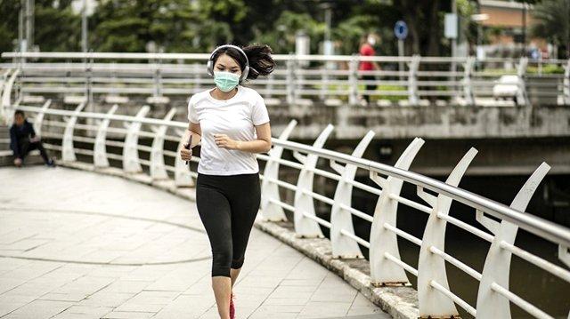 maskeyle spor yapmak yürüyüş yapmak koronavirüs salgın pandemi döneminde  öğrenci motivasyon nasıl sağlanır listelist