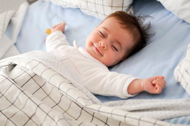 bebeklerde uyku düzeni listelist
