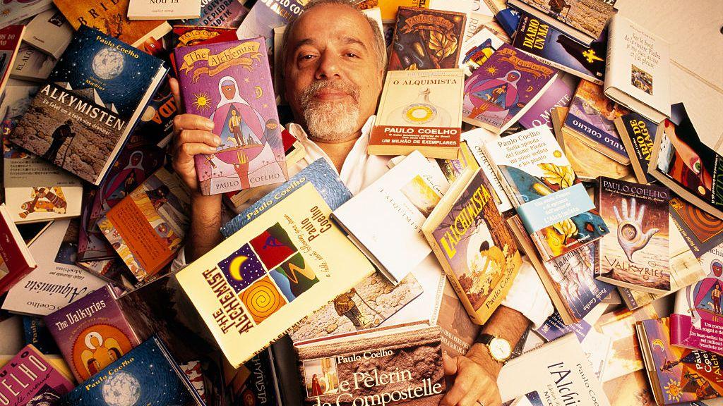 Paolo Coelho en çok kazanan yazarlar listelist