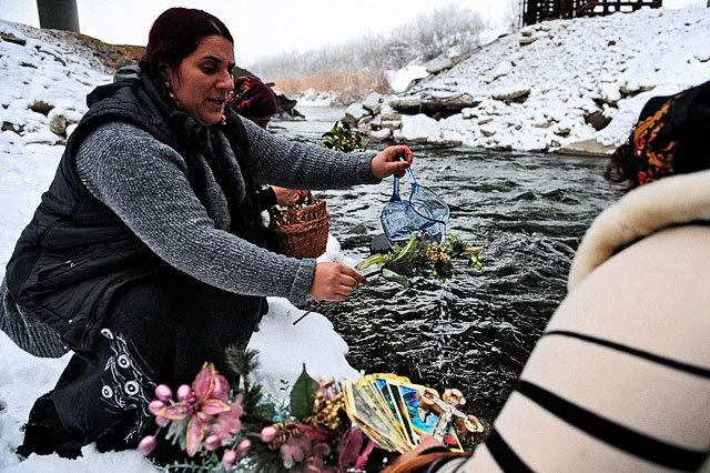 romanyada büyücüler protesto vergi hapis cezası parlamento hükümet yasa teklifi tuna nehri kara büyü listelist