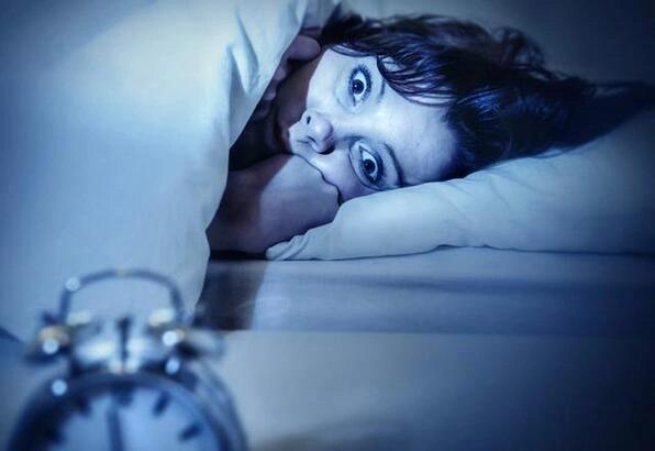 alarmı ertelemek sebepleri alarmı ertelememek için ne yapılır uyku düzeni gece uykusu listelist