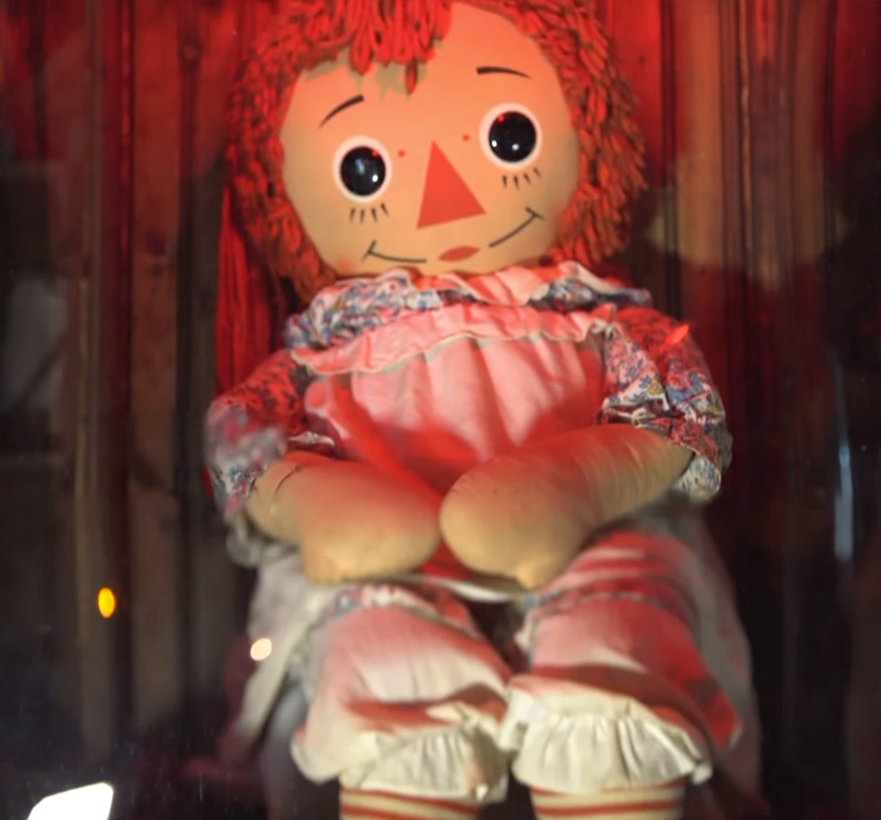 lanetli oyuncak bebek