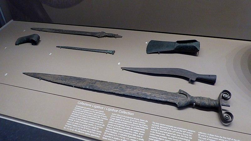Çelik kılıçlar